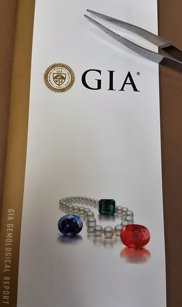 408_GIA_Spinel_2